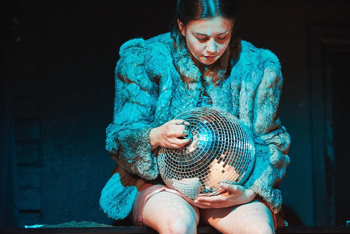 HAMLETMASZYNA.-Reenactment-reż.-Lucy-Sosnowska-fot.-Sebastian-Góra-www.sebastiangora.com2_.jpg